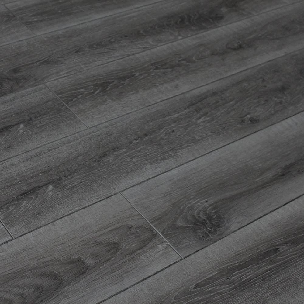 Balterio cuatro 8mm storm oak laminate flooring leader for Balterio laminate flooring