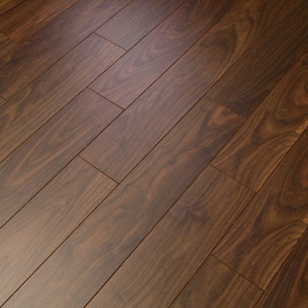 Balterio estrada select walnut 8mm ac4 laminate flooring for Balterio carbon black laminate flooring