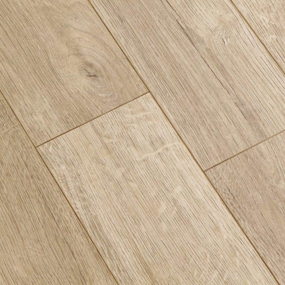 Balterio estrada tundra oak 8mm ac4 laminate flooring for Balterio carbon black laminate flooring
