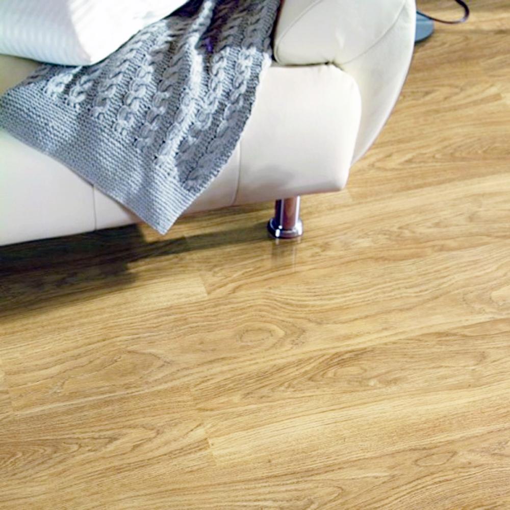 Krono original kronofix 7mm light varnished oak laminate for Light laminate flooring