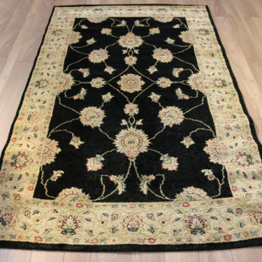 Majestic 26311-690 Traditional Black Rug