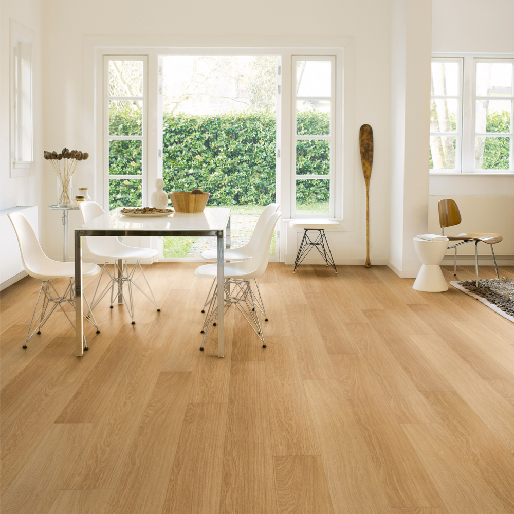 Quickstep impressive 8mm natural varnished oak laminate for Quickstep flooring