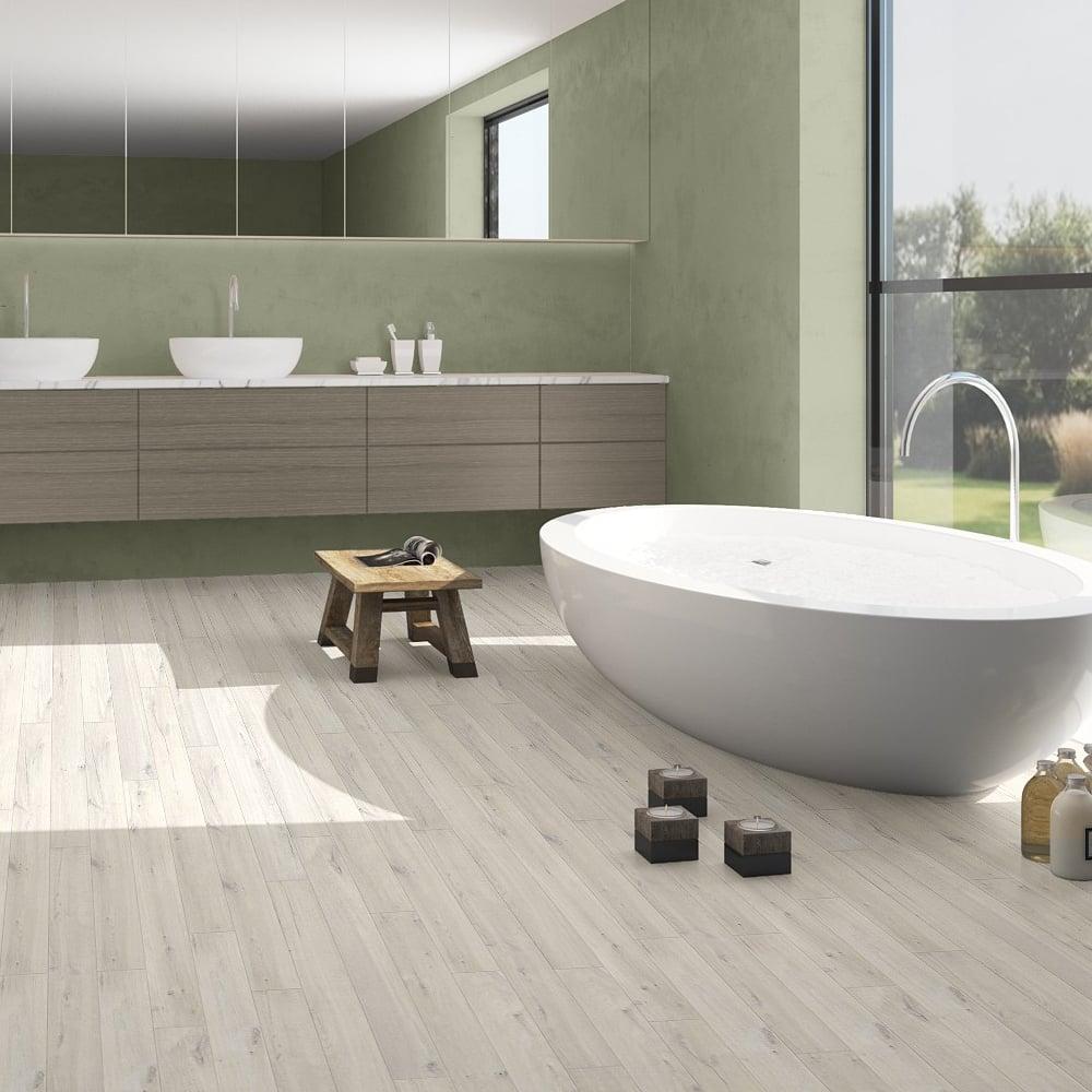 Quickstep impressive 8mm soft beige oak laminate flooring - Laminat beige ...