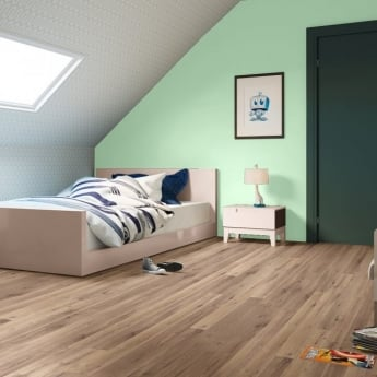 Quickstep Perspective 4 Way 9.5mm Natural Varnished Vintage Oak Laminate Flooring