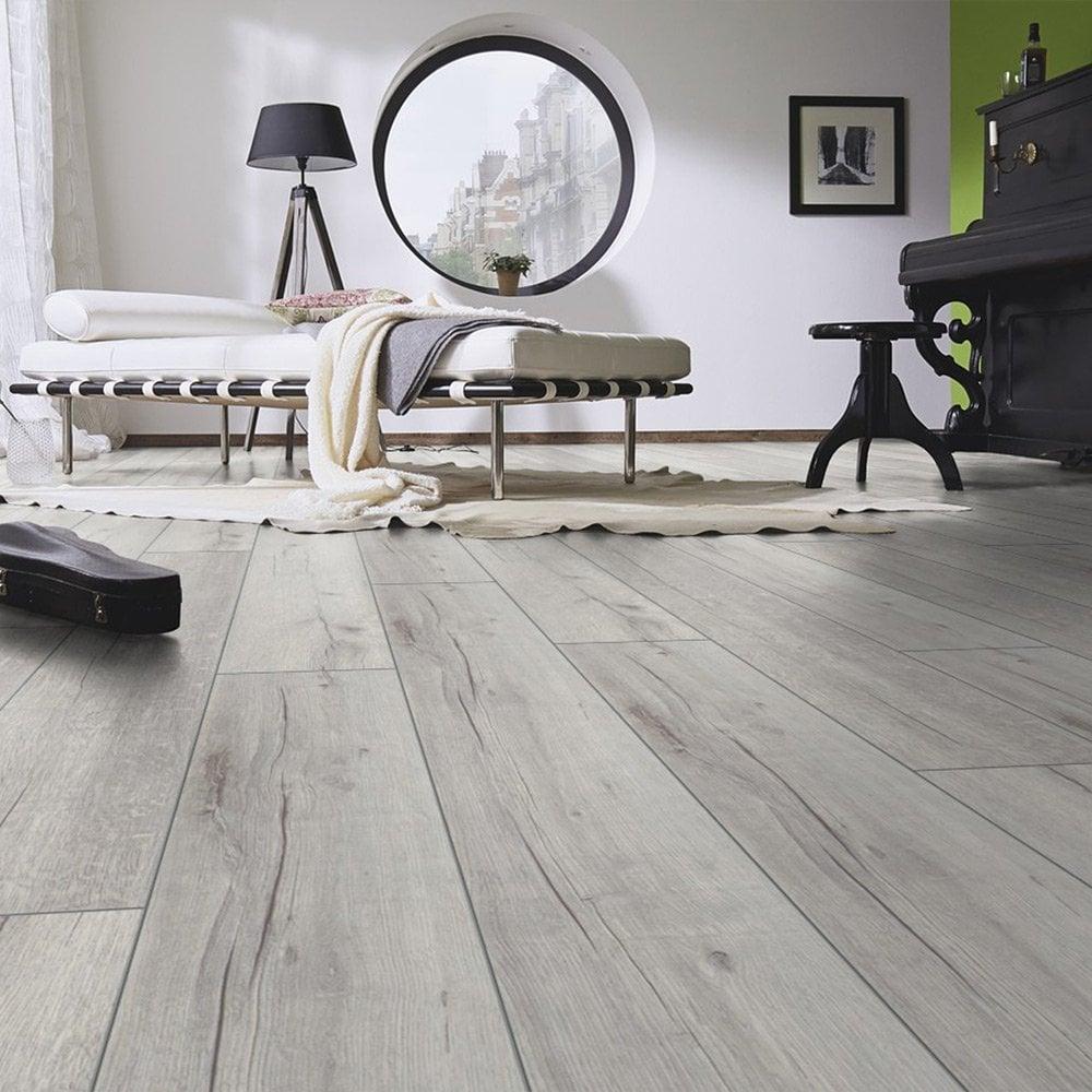 Kronotex Robusto Villa 12mm Rip Oak, White Oak Laminate Flooring 12mm