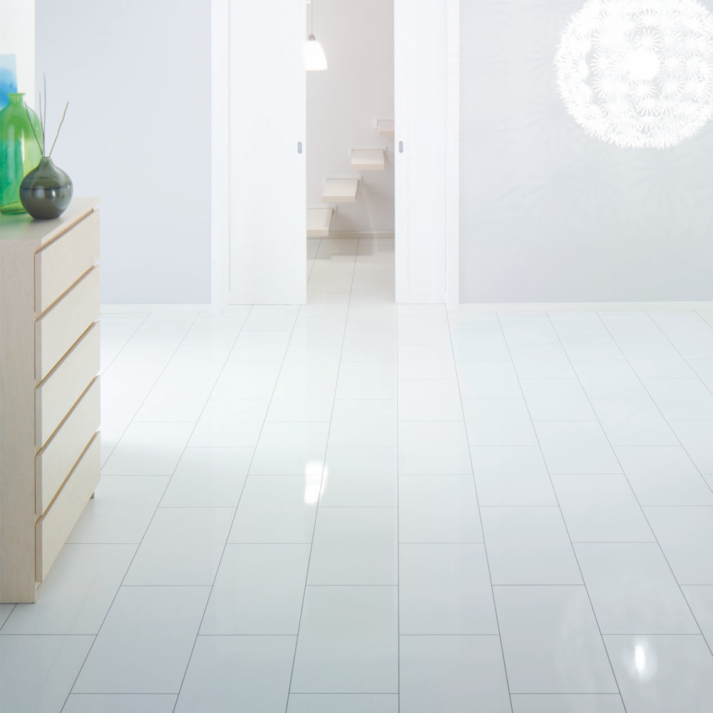 Elesgo supergloss maxi v5 arctic white ac3 laminate for White laminate flooring